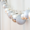 Elegant White Vintage Christmas Decoration Ideas 81