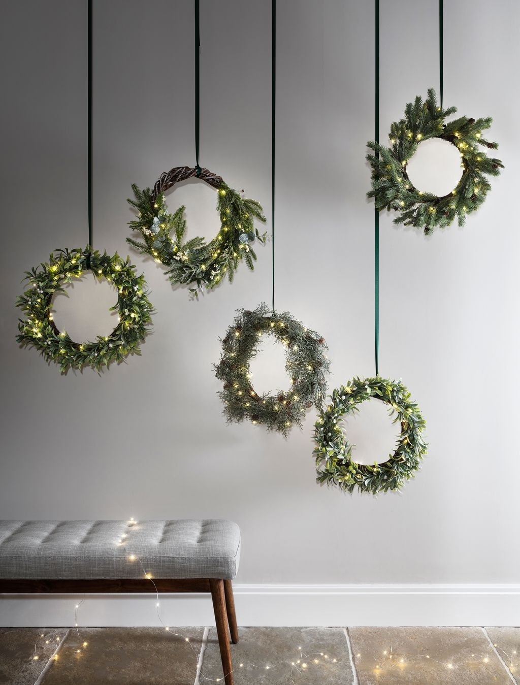 Gergerous Indoor Decoration Ideas With Christmas Lights42