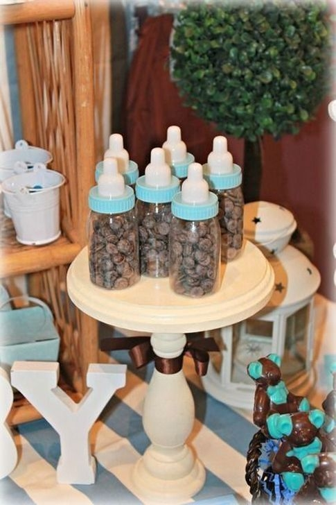 Charming Winter Themed Baby Shower Decoration Ideas24