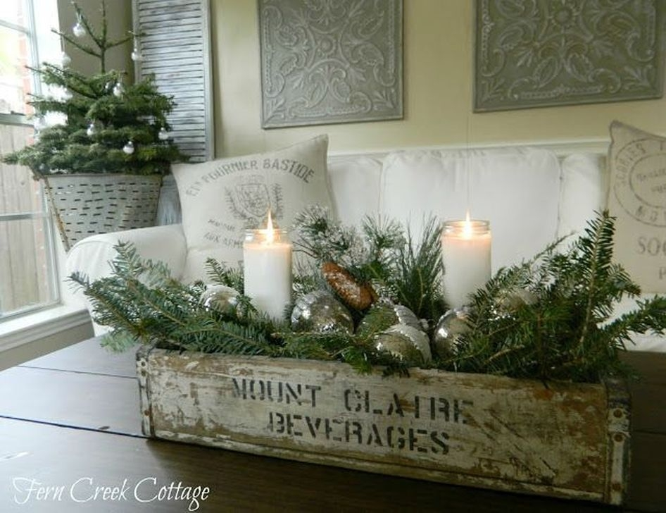 Comfy Christmas Living Room Decor Ideas38