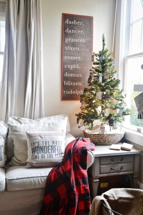 Gorgeous Rustic Christmas Tree Decoration Ideas14