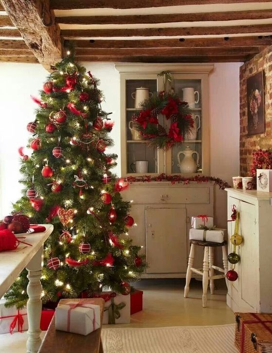 Gorgeous Rustic Christmas Tree Decoration Ideas31