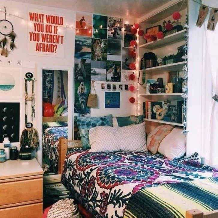 Lovely Dorm Room Organization Ideas On A Budget27