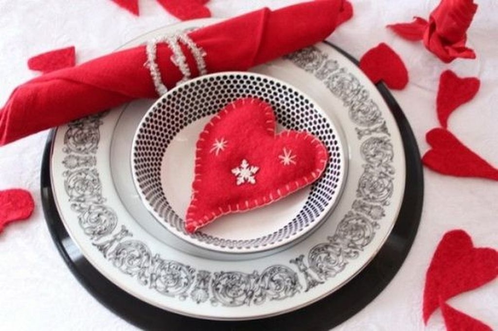 Stunning Table Decoration Ideas For Valentine'S Day36