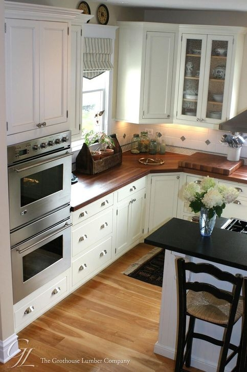 Amazing Kitchen Color Scheme Ideas For Dark Cabinets 03