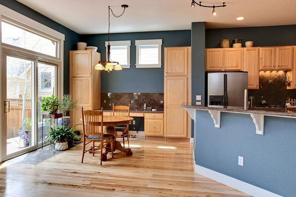 Amazing Kitchen Color Scheme Ideas For Dark Cabinets 10