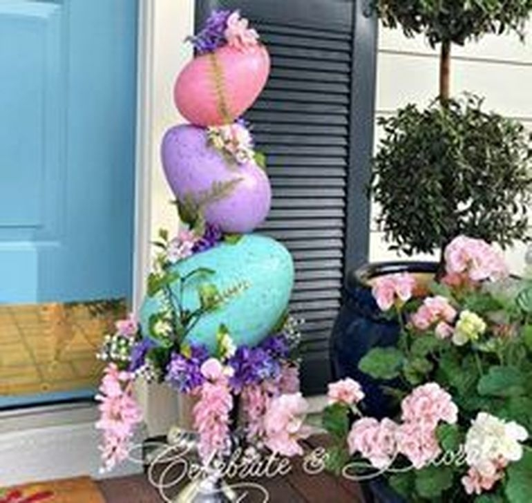 Charming Easter Ideas For Outdoor Decorations 44