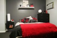 Comfy Red Bedroom Decorating Ideas For You 42