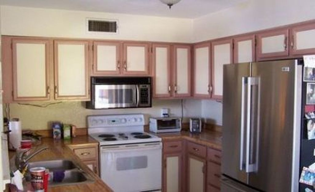Fancy Painted Kitchen Cabinets Design Ideas With Two Tone 22