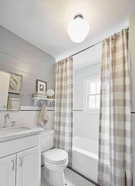 Lovely Farmhouse Bathroom Makeover Ideas To Try Right Now 05