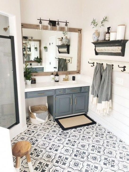 Lovely Farmhouse Bathroom Makeover Ideas To Try Right Now 09
