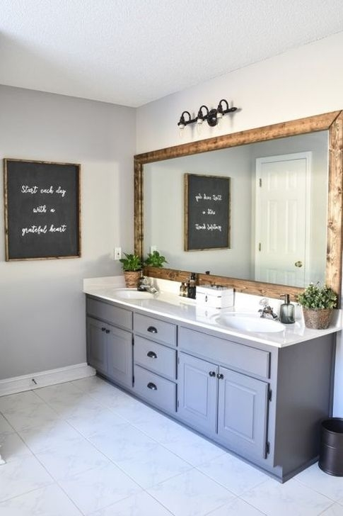 Lovely Farmhouse Bathroom Makeover Ideas To Try Right Now 23