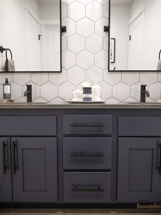 Lovely Farmhouse Bathroom Makeover Ideas To Try Right Now 35