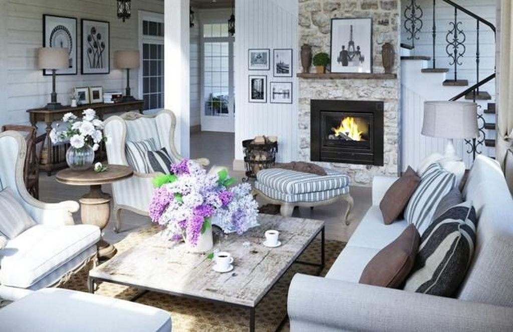 Perfect French Country Living Room Design Ideas For This Fall 11